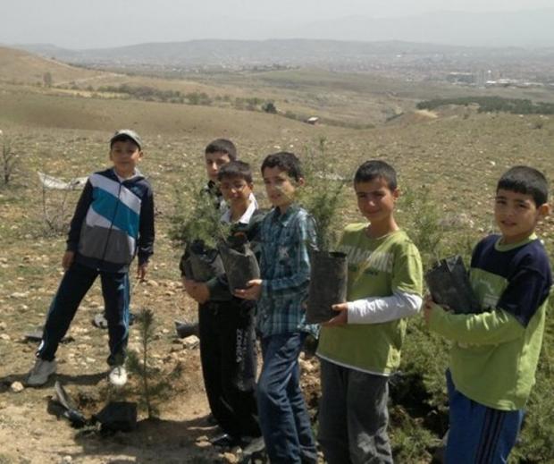 Elazığ'da Fidanlar Toprakla Buluştu