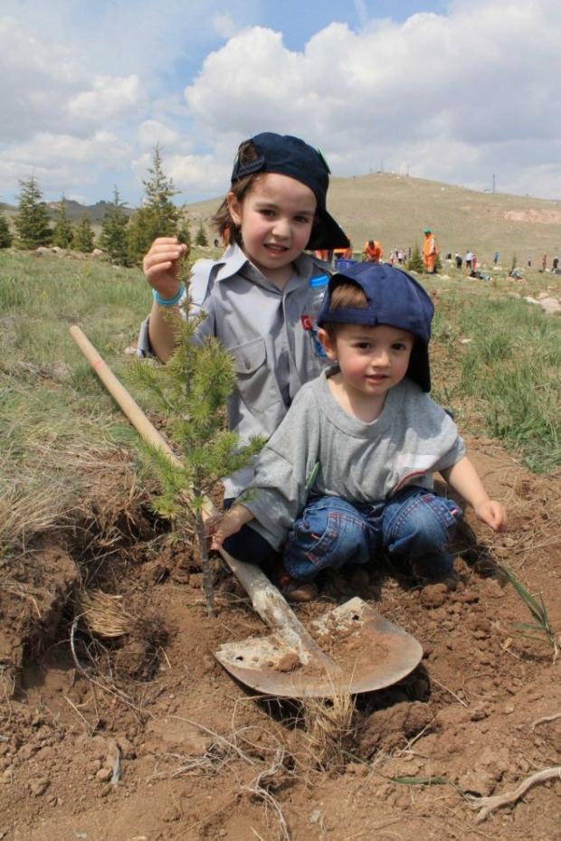 Ağaçlandırma Seferberliğine Mersin'den 1000 Fidanla Katkı