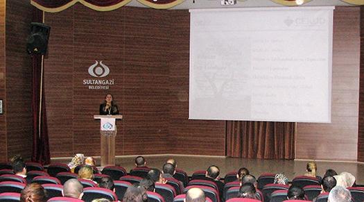 Sultangazi'de Öğretmenlere Geri Dönüşüm ve Atık Semineri Yapıldı