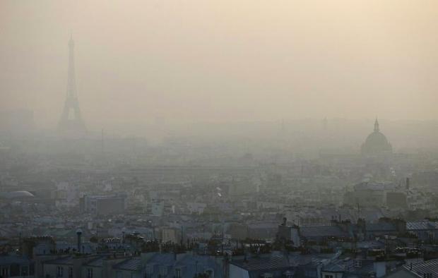 Paris, Hava Kirliliğine Trafikle Karşı Koyuyor