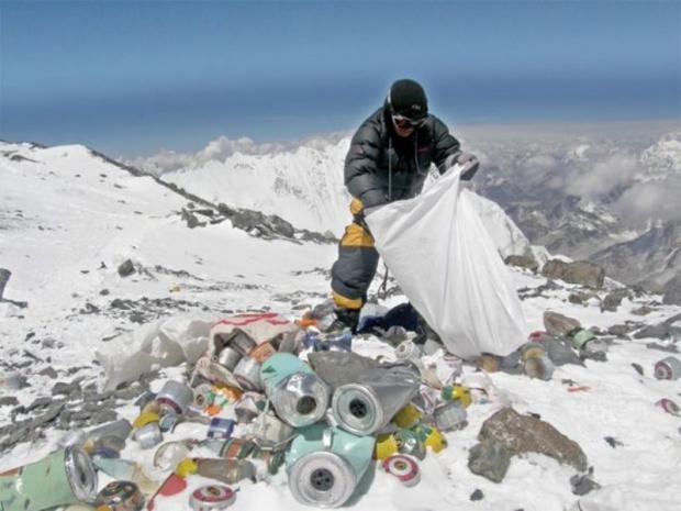 Everest'in Zirvesinde Çöp Seferberliği