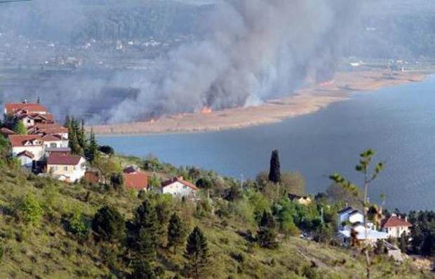 Sapanca Gölü Sazlığında Yangın