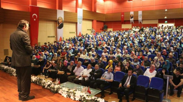 Karabük'te Sosyal Gelişim Zirvesi Yapıldı