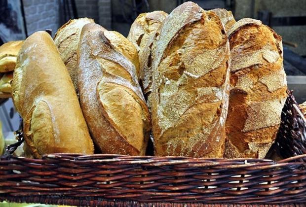 İsrafı Önlemek İçin Ekmeği Dilimle Satıyorlar