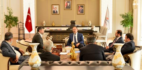ÇEKUD Yönetim Kurulu, Çevre ve Şehircilik Bakanı Sayın Mehmet ÖZHASEKİ'yi Ziyaret Etti